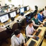 Arbeitsplätze bei ProImageEditors – Gottseidank mit Klimaanlage, denn in Bombay kann es heiss werden. SEHR heiss!
